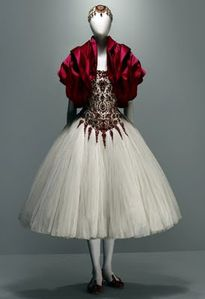 New-York-celebra-McQueen-3.jpeg