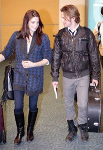 Ashley Greene & Jackson Rathbone Arriving Vancouver 1