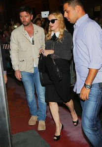 20130821-pictures-madonna-hard-candy-fitness-center-rome-03.jpg