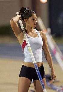 girls-sports-wear-sexy-16.jpg