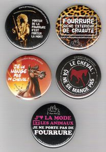 5-badges-Fondation-Bardot.jpg