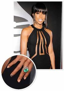Kelly-Rowland-Nail-Art-At-Grammy-s-2013.jpg