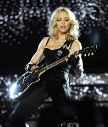 Madonna's ''Sticky & Sweet Tour'' CD-DVD: review by 'Cameron M'