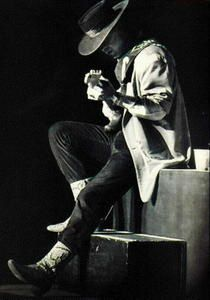 stevie-ray-vaughan04.jpg