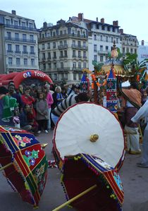 defile-ganesh-OL-Tour-bellecour.jpg