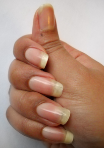 coupe-ongle-mi-janvier-9mm-8-Alvina-Nail.png