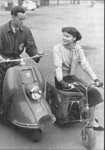 valmobile et scooter Heinkel tourist