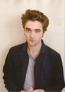 Flix_-May-_Robert_Pattinson_3.jpg