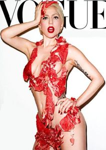 Lady Gaga viande Vogue hommes MTV Video Music Awards