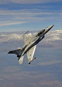 F16-EAU.jpg