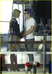 Joe & Chelsea are filming on Jonas (5)