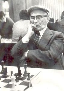 reshevsky-hat-beret-chess.jpg