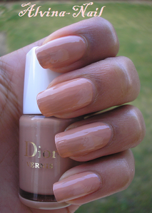 dior---chaire2--Alvina-Nail.png