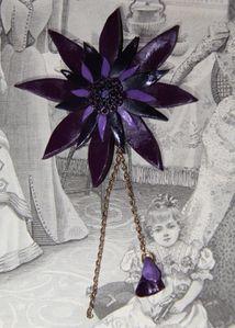 Pendentif fleur violette