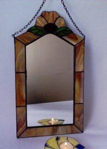 Vitrail miroir vitrail tiffany for Miroir vitrail modeles