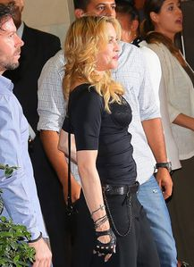 20130822-pictures-madonna-hard-candy-fitness-center-rome-02.jpg