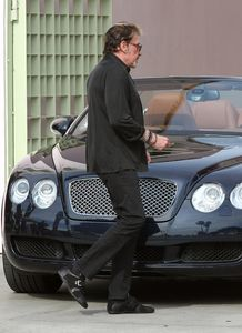Johnny-Hallyday-Johnny-Hallyday-Take-New-Bentley-_OdHNZZO6A.jpg