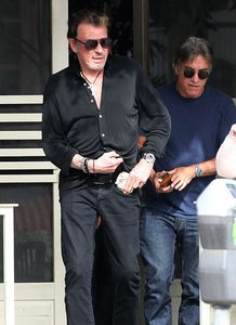 Johnny-Hallyday-Johnny-Hallyday-Take-New-Bentley-f__aicBC26.jpg