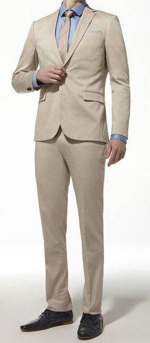 Costume-coupe-ajustee-satin-de-coton-beige.-CELIO.jpg