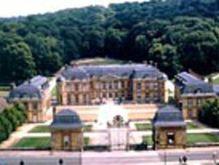 chateau-dampierre.jpg