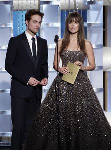 Robert Pattinson - Golden Globes Presenting Award 5