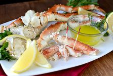 ALASKA King crab Legs with butter