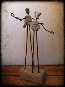 sculpture, statuette, fil de fer , rouille , bois flotté,
