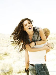 ashley greene + kellan lutz WH outtake 3
