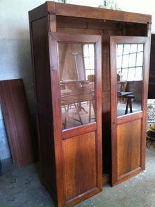 Patine vieillie : histoire d'une petite armoire