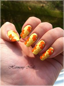 Nail-art-sur-le-vernis-Yes-love-jaune.jpg