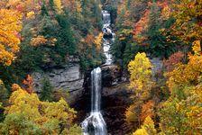 CAROLINE SUD -Raven-Cliff-Falls-800x534