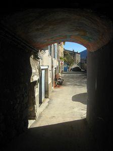 La-Roche-sur-Buis-ruelle