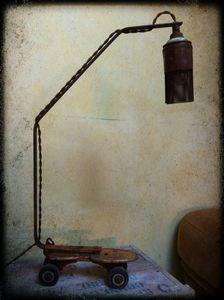 luminaire, lampe, lampe récup, patin à roulettes-copie-5