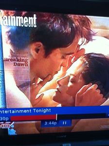 Bella & Edward @ bed for Breaking Dawn - Hollywood Access N