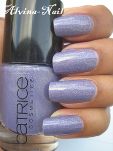 catrice-dirty-berry--Alvina-Nail.png
