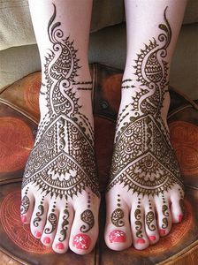 Arabic-Henna-Mehndi-Designs-for-Feet-10-765x1024.jpg