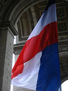 drapeau-francais-arc-triomphe.jpg