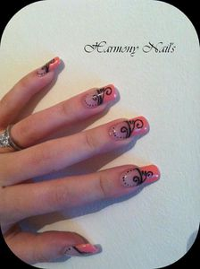 Nail-art-french-rose-et-ses-arabesque-02.jpg