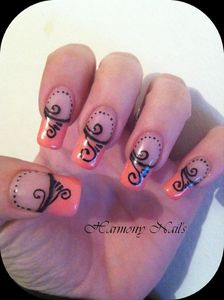 Nail-art-french-rose-et-ses-arabesque-03.jpg