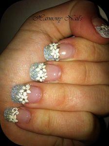 nail-art-french-paillette---stikers-fleur-blanche-02.jpg
