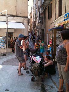 touristes-bonifacio.jpg