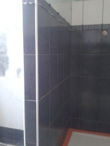 Epaisseur colle faience murale g nie sanitaire - Collage carrelage mural ...