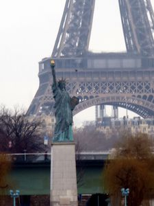 Paris--Replique-Statue-Libe-rte.jpg