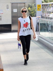 Hellcat-Ashley-Tisdale-Leaving-Gym-West-Hollywood-h_6gsZ0eo.jpg