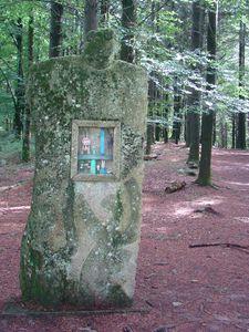 Ile de vassiviere-art jean estaque monolithique sumposium 1