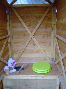 Petite maison, toilette seche, Ile St Aubin, Angers