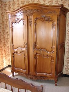 Armoire copie d 39 ancien provencale louis xv for Copie meuble ancien