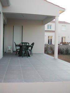 Carrelage cuisine 15x15 blanc estimation travaux for Plattard carrelage villefranche