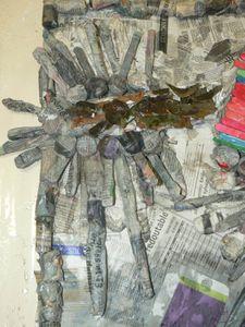 Queue décorée d'écorces