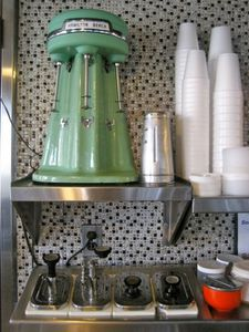 kumme-esse-diner-soda-fountain-myerstown-pa.jpg